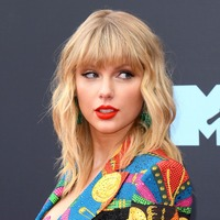 Taylor Swift surprises fans with new version of Wildest Dreams