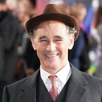 Mark Rylance backs youth theatre's 'gender change' Romeo And Juliet adaptation